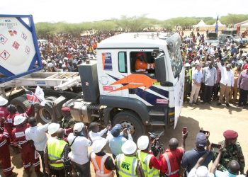 President Kenyatta flagging off Four Oil Trucks