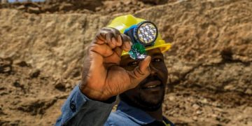 Sawa Minerals works with small-scale miners who make a huge contribution to the global minerals trade by utilising blockchain-backed smart contracts