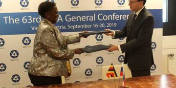 Russia and Uganda sign nuclear deal