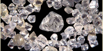 US ban Zimbabwe's diamond import, government protests