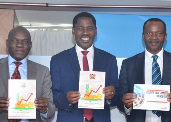 Dr. Francis Owino, PS, Ministry of Industry, Trade and Cooperatives, Hon. Peter Munya, CS, Ministry of Industry, Trade and Cooperatives and Hon. Dennis Waweru, Chairman of the Board, KenInvest.